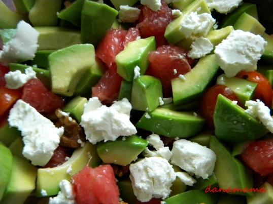 salata cu avocado2