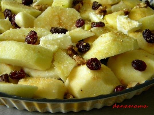 Prajitura rasturnata cu mere