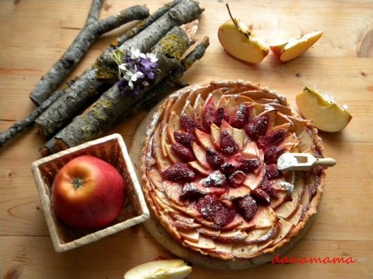 tarta rustica cu mere si capsune.3jpg