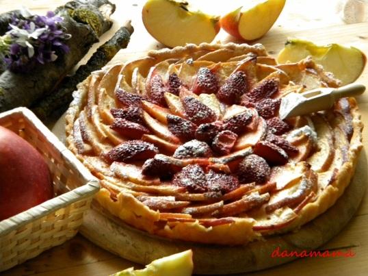 tarta rustica cu mere si capsuni.2jpg