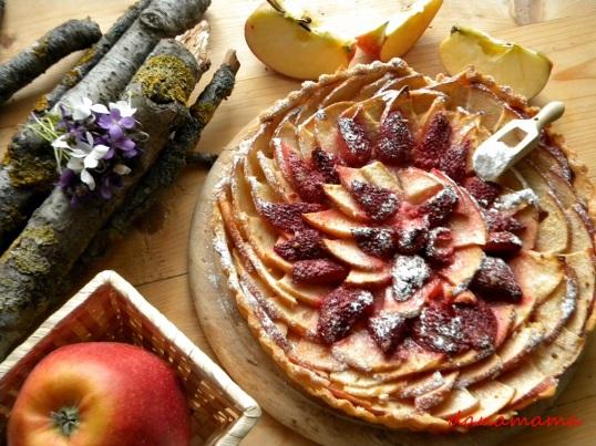 tarta rustica cu mere si capsuni