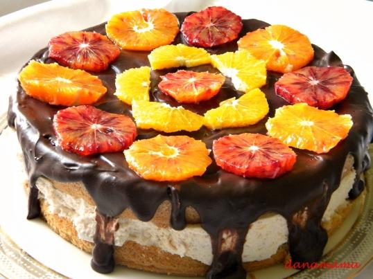 Tort cu portocale rosii